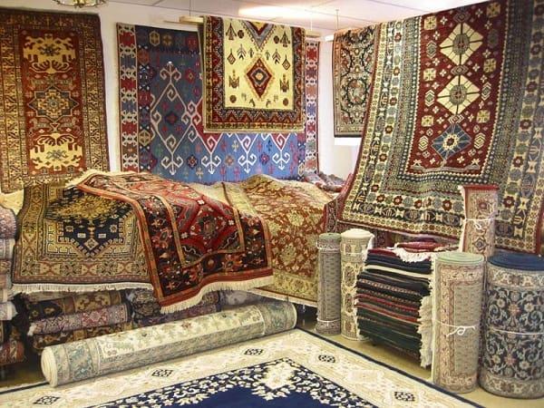 Du lịch Ai Cập nên mua gì làm quà? Đồ lưu niệm Ai Cập. Những đồ đậm chất Ai Cập nên mua làm quà. Món quà đặc trưng của Ai Cập