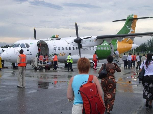 Kinh nghiệm du lịch Tanzania tự túc, giá rẻ: Giá vé máy bay đi du lịch Tanzania bao nhiêu tiền?