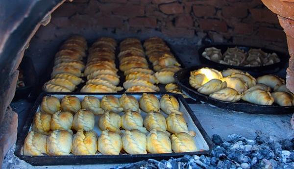 Đặc sản ngon, nổi tiếng ở Argentina: Những món ăn ngon của Argentina nên thử - Ẩm thực Argentina. Du lịch Argentina nên ăn gì? Những món ăn truyền thống của Argentina.