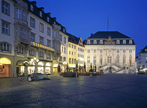 Kinh nghiệm du lịch thành phố Bonn cái nôi văn hóa của Đức. Nên ở khách sạn nào khi du lịch Đức chất lượng, vị trí thuận lợi?