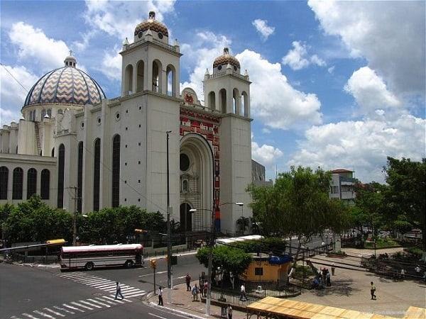 Kinh nghiệm du lịch El Salvador chi tiết đường đi, giá vé, nơi ăn ở: Nên đi đâu chơi, tham quan, ăn uống khi đi du lịch El Salvador?