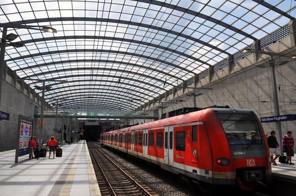 Kinh nghiệm du lịch Cologne, Đức thành phố cổ kính. Hướng dẫn, cẩm nang, phượt Cologne, Đức: Hướng dẫn cách di chuyển khi du lịch Cologne