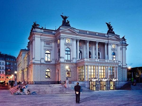 Các điểm du lịch nổi tiếng nhất ở Zurich đẹp, đông khách. Du lịch Zurich nên đi đâu chơi? Những điểm tham quan không thể bỏ lỡ ở Zurich
