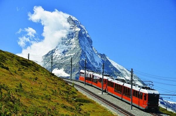 Hướng dẫn đi tàu khi du lịch Thụy Sĩ đơn giản, tiết kiệm. Kinh nghiệm đi tàu khi du lịch Thụy Sĩ nhanh, giá rẻ