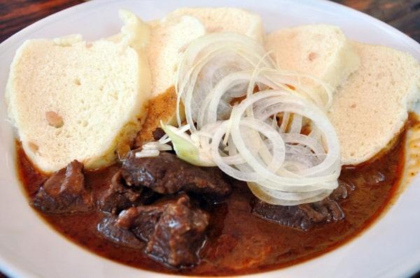 Những món ăn truyền thống ở Áo không nên bỏ qua. Du lịch Áo nên ăn gì? Đặc sản Áo. Các món ăn ngon, nổi tiếng của Áo nên thử.