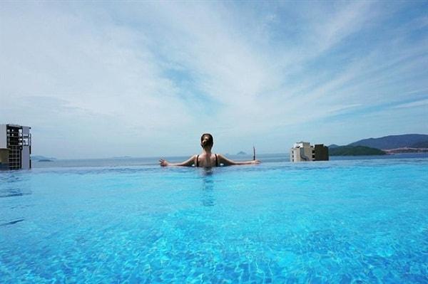 Những bể bơi vô cực đẹp nhất Việt Nam cực sang chảnh. Địa chỉ những bể bơi vô cực nổi tiếng, độc đáo ở Việt Nam hiện nay