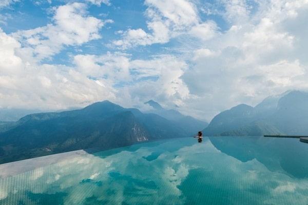 Những bể bơi vô cực đẹp nhất Việt Nam cực sang chảnh. Các bể bơi vô cực ở Sapa, Đà Nẵng, Nha Trang, Tam Đảo, Hà Nội, Vũng Tàu...