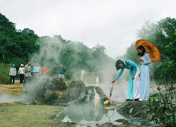 Kinh nghiệm du lịch suối khoáng nóng Kim Bôi, Hòa Bình. Hướng dẫn du lịch suối khoáng nóng Kim Bôi cụ thể đường đi, nơi ăn ở...