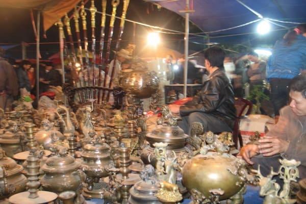 Kinh nghiệm đi chợ Viềng đầu năm cầu may & lưu ý
