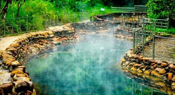 Kinh nghiệm du lịch suối khoáng nóng Thanh Tân, Huế cập nhật. Hướng dẫn, cẩm nang du lịch suối nước nóng Thanh Tân giá vé, ăn ở...