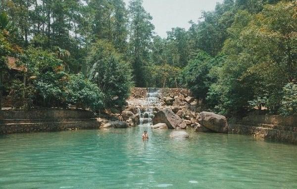 Kinh nghiệm du lịch Suối Năm Hoành Bồ điểm check in cực hot. Hướng dẫn, cẩm nang du lịch Suối Năm, Quảng Ninh cụ thể đường đi, ăn.