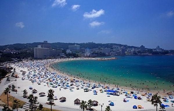 Địa chỉ những bãi biển đẹp, nổi tiếng ở Nhật Bản: Bãi biển nào ở Nhật Bản đông khách nhất?