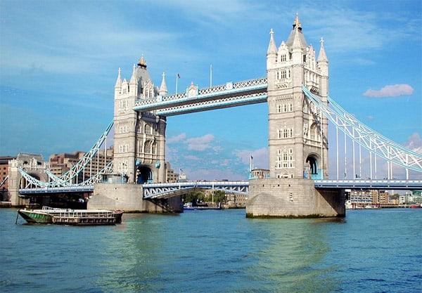Du lịch Anh Quốc cần bao nhiêu tiền? Cụ thể đi lại, ăn ở. Đi du lịch nước Anh tốn bao tiền? cần chuẩn bị bao tiền khi du lịch Anh.