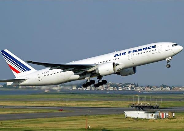 Kinh nghiệm đi Châu Âu dịp tết dương lịch giá rẻ: Giá vé máy bay đi du lịch Châu Âu tết dương lịch