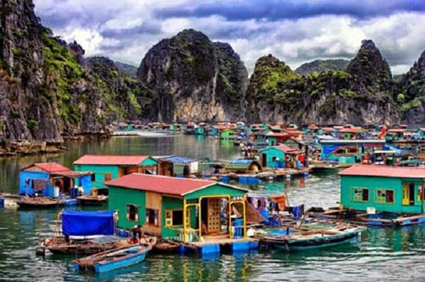 Kinh nghiệm du lịch làng chài Cửa Vạn cách đi, trải nghiệm. Hướng dẫn, cẩm nang du lịch làng chài Cửa Vạn, Quảng Ninh đẹp, thú vị.