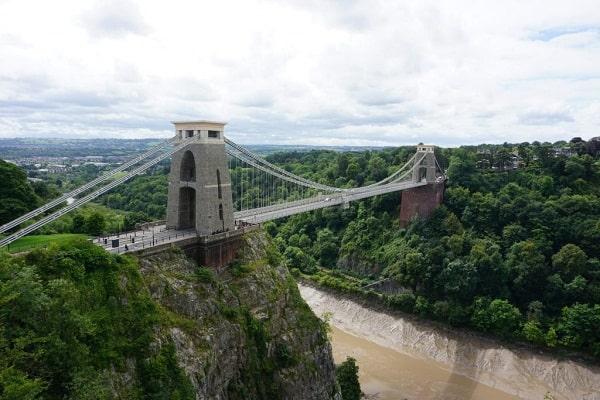 Kinh nghiệm du lịch Bristol, Anh vừa đẹp vừa độc. Hướng dẫn, cẩm nang du lịch Bristol cụ thể đường đi, giá vé, thời điểm, ăn ở...