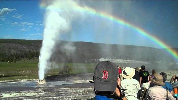 Kinh nghiệm du lịch công viên quốc gia Yellowstone, Mỹ. Hướng dẫn du lịch công viên Yellowstone cụ thể thời gian, địa điểm đẹp.