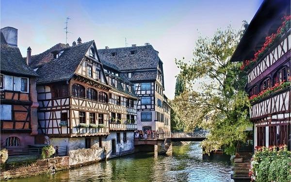 Kinh nghiệm du lịch Strasbourg, Pháp tự túc tiết kiệm. Hướng dẫn, cẩm nang du lịch Strasbourg cụ thể đường đi, thời điểm, ăn ở.