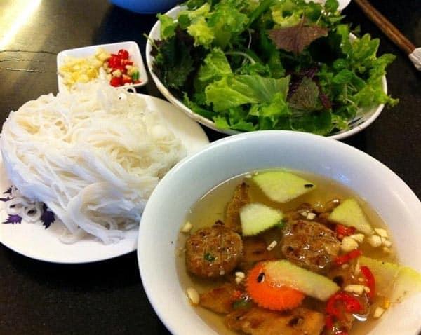 Quán ăn ngon, giá rẻ, đông khách ở Bình Phước: Nên ăn ở đâu khi phượt Bình Phước?