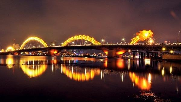 Buổi tối ở Đà Nẵng nên đi đâu? Địa điểm du lịch đêm ở ĐN. Những điểm du lịch Đà Nẵng vào buổi tối tuyệt đẹp nên ghé.