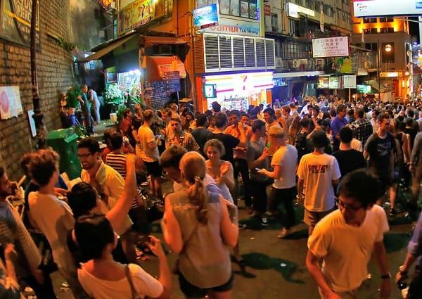 Nên đi đâu tham quan ở Hồng Kông thú vị nhất? Du lịch Hồng Kông chơi đâu vui?