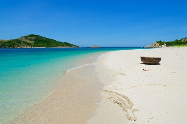 Những bãi biển hoang sơ tuyệt đẹp ở Ninh Thuận nên ghé qua. Danh sách những bãi biển nổi tiếng ở Ninh Thuận. Các bãi biển đẹp nhất ở Ninh Thuận