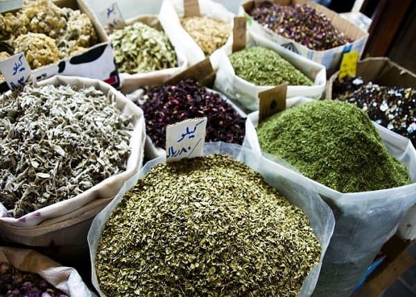 Đặc sản nổi tiếng ở Qatar nên mua về làm quà: Du lịch Qatar nên mua gì làm quà? Đồ lưu niệm đậm chất Qatar. Nên mua gì làm quà khi tới Qatar rẻ, đẹp, ý nghĩa.
