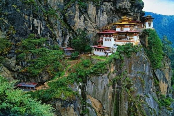 Những điểm tham quan đẹp nhất ở Bhutan nên tới. Du lịch Bhutan nên đi đâu? Các điểm du lịch nổi tiếng nhất ở Bhutan không bỏ lỡ.