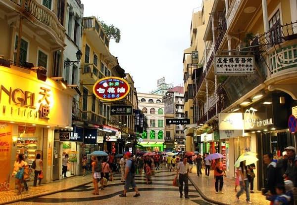 Kinh nghiệm mua sắm giá rẻ ở Macao địa chỉ kèm giá thành. Du lịch Macau nên mua sắm ở đâu? Địa chỉ các trung tâm, chợ ở Macau.