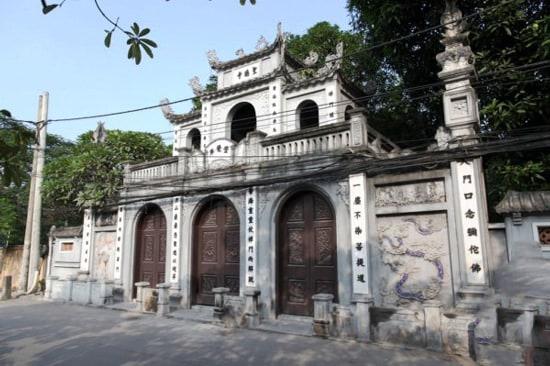 Những ngôi đền chùa linh thiêng nhất Việt Nam đi lễ đầu năm. Đầu năm nên đi lễ những ngôi đền chùa nào linh thiêng, cổ kính nhất.
