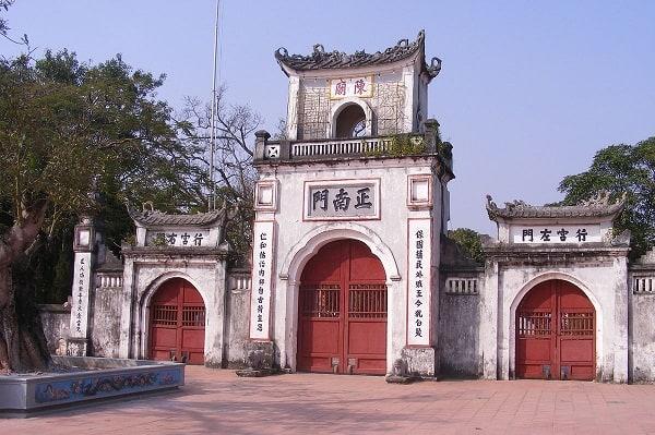 Những ngôi đền chùa linh thiêng nhất Việt Nam nên đi lễ đầu năm. Đầu năm nên đi lễ những ngôi đền chùa nào linh thiêng, cổ kính nhất. Đầu năm nên đi lễ chùa nào?