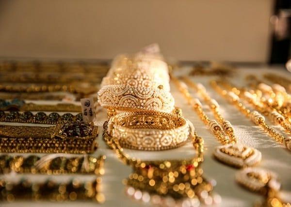 Du lịch Qatar nên mua gì làm quà? Đồ lưu niệm đậm chất Qatar. Nên mua gì làm quà khi tới Qatar rẻ, đẹp, ý nghĩa. Mua quà gì khi đi du lịch Qatar?