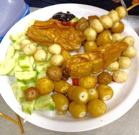 Viên chiên 176, quận 7, Sài Gòn: Quận 7 có quán ăn vặt nào ngon? Địa điểm ăn vặt nổi tiếng ở quận 7, Sài Gòn