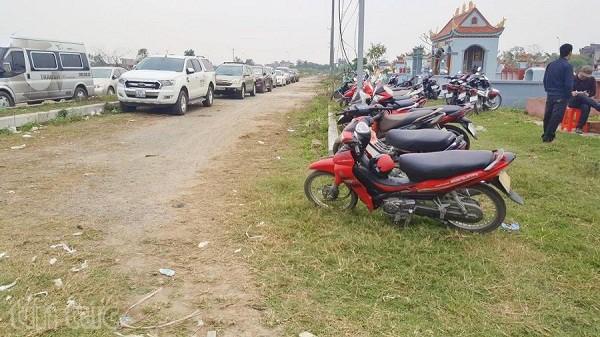 Kinh nghiệm đi lễ hội đền Trần an toàn không lo chặt chém. Hướng dẫn cẩm nang du lịch đền Trần, Nam Định cụ thể đường đi, sắp lễ.