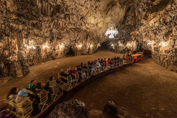 Những địa điểm du lịch nổi tiếng nhất ở Slovenia đẹp khó cưỡng. Du lịch Slovenia có gì hay? Địa điểm tham quan đẹp ở Slovenia