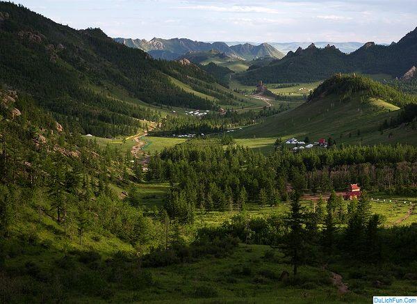 Địa điểm du lịch nổi tiếng nhất Mông Cổ hiện nay: Du lịch Mông Cổ đi đâu chơi, tham quan?