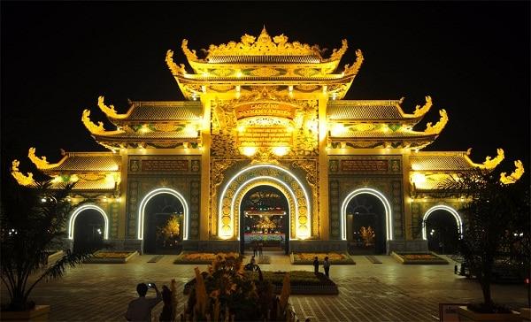 Nên đi đâu chơi dịp 30/4-1/5 gần Sài Gòn đẹp, thú vị? Các khu vui chơi, điểm du lịch đẹp ở Sài Gòn cho dịp 30/4 - 1/5.