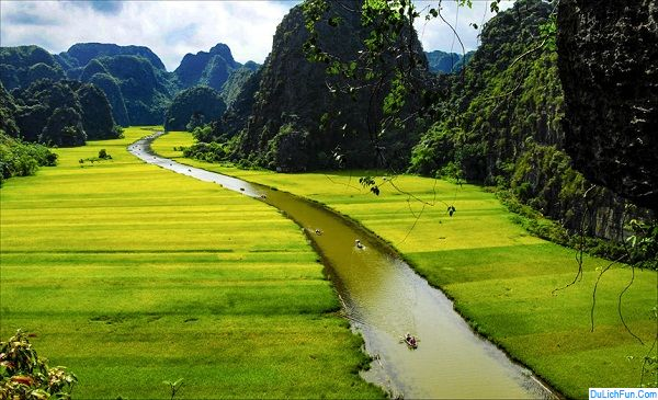 Kinh nghiệm du lịch Ninh Bình: Đi lại, tham quan, ăn uống, lịch trình hợp lý nhất. Hướng dẫn du lịch Ninh Bình với thông tin đầy đủ