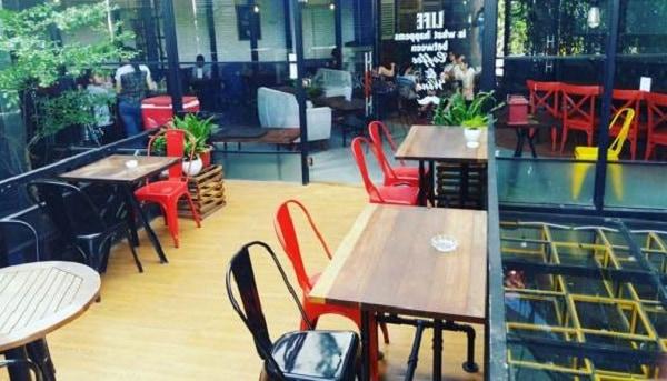 Các quán cà phê view đẹp nổi tiếng ở Nha Trang nên ghé. Nên tới quán cà phê nào ở Nha Trang đẹp, thuận tiện đi lại, cụ thể địa chỉ