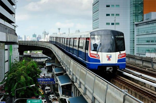 Kinh nghiệm đi tàu điện ở Bangkok an toàn, thuận tiện. Đi tàu điện du lịch Bangkok như thế nào? Hướng dẫn đi du lịch Bangkok bằng tàu điện