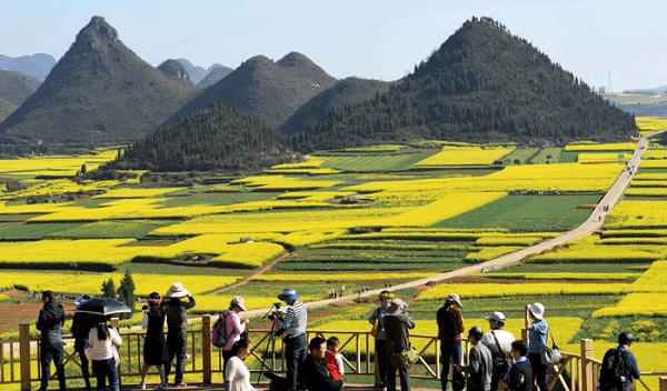 Kinh nghiệm du lịch Vân Nam bằng đường bộ đẹp và tiết kiệm. Hướng dẫn cẩm nang phượt Vân Nam cụ thể đường đi ăn uống, cảnh đẹp.