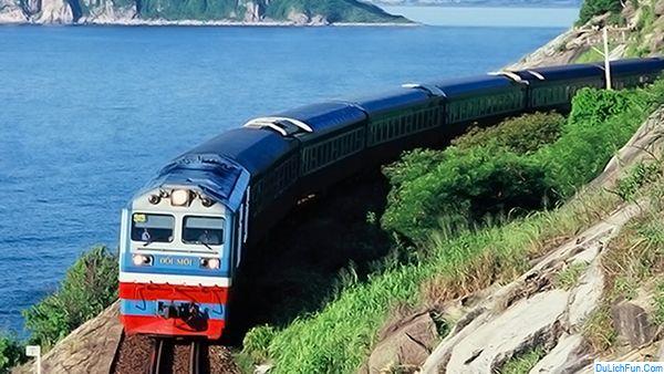 Kinh nghiệm đi tàu hỏa lần đầu và lưu ý cần biết khi đi tàu. Một số chú ý quan trọng khi đi đi du lịch bằng tàu hỏa an toàn, rẻ