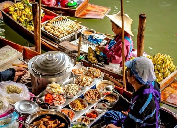 Các khu chợ nổi lớn nhất ở Thái Lan đẹp quên lối về. Nên đi chơi ở chợ nổi nào của Thái Lan? Địa chỉ các khu chợ nổi độc đáo của Thái Lan