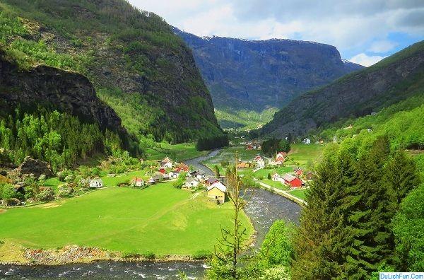 Địa điểm du lịch đẹp, nổi tiếng ở Na Uy: Du lịch Na Uy nên đi đâu chơi, tham quan?