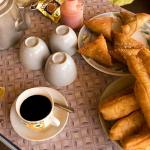 Những món ăn đường phố Yangon ngon, bổ, rẻ. Du lịch Yangon nên ăn gì? Món ngon đường phố nên thử ở Yangon hấp dẫn thực khách.
