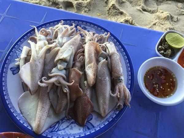 Cập nhật kinh nghiệm du lịch Lagi, Bình Thuận tự túc. Hướng dẫn, cẩm nang phượt Lagi đẹp cụ thể đường đi, ăn ở, điểm tham quan.