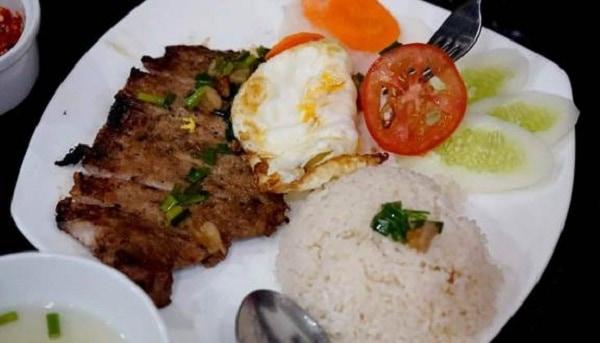 Địa chỉ các quán cơm tấm ngon, nổi tiếng nhất Sài Gòn. Muốn ăn cơm tấm ở Sài Gòn nên tới đâu? Quán cơm tấm đông khách ở Sài Gòn.