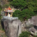 Kinh nghiệm phượt núi Chứa Chan cụ thể đường đi, hướng leo. Hướng dẫn, cẩm nang du lịch núi Chứa Chan cảnh đẹp, phương tiện đi lại