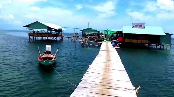 Các làng chài cổ đẹp nổi tiếng ở Phú Quốc không nên bỏ lỡ. Du lịch làng chài nào ở Phú Quốc hoang sơ, thanh bình. đẹp, nổi tiếng