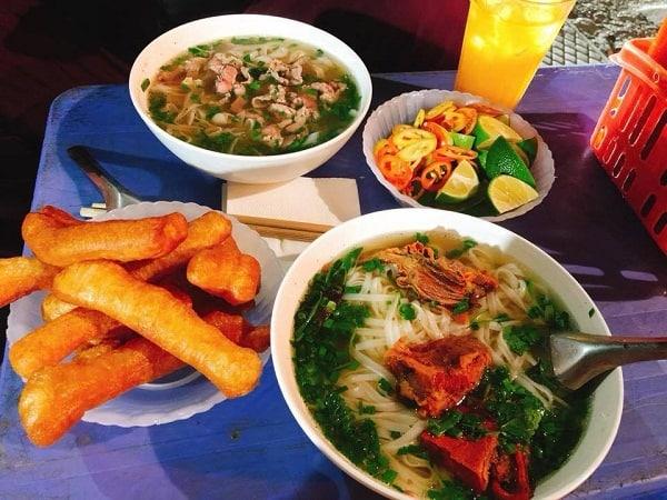 Nên ăn tối ở chỗ nào Hà Nội? Ngon, bổ, rẻ, nổi tiếng. Các địa chỉ ăn uống buổi tối nổi tiếng ở Hà Nội nên ghé. Quán ăn đêm Hà Nội